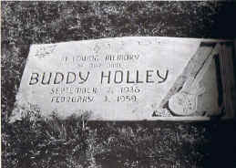 holly_grave.jpg (517458 bytes)